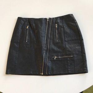 NWT Pleather black zipper skirt